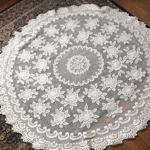 Round tablecloth, gorgeous cream colored lace